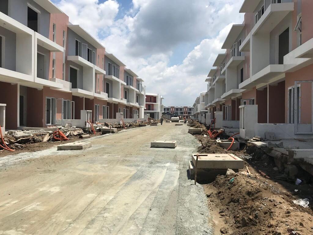 tiến độ nhà phố dragon village quận 9